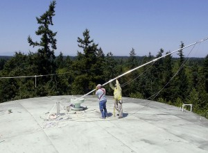 Raising the 35'  mast with FM antenna attached